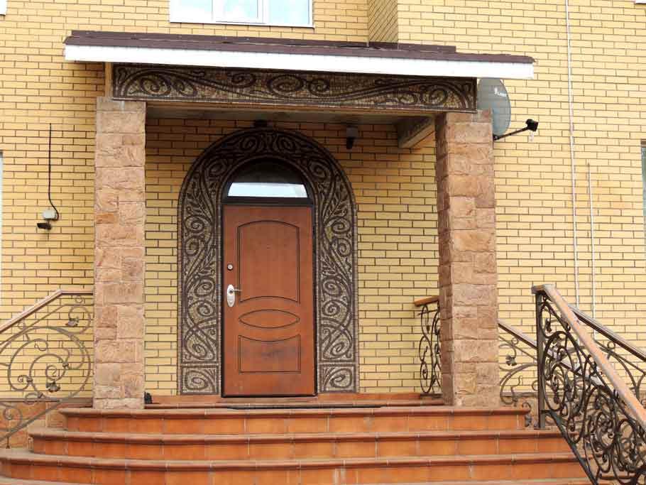 mosaika-fasad-doma